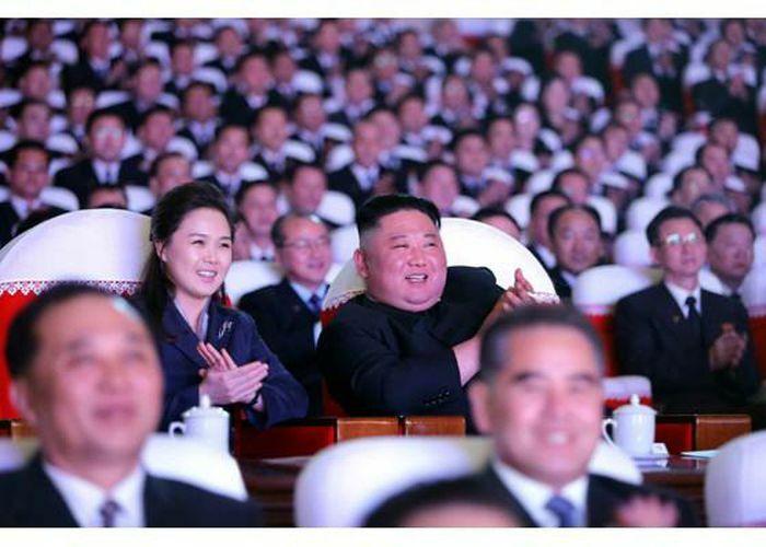 Tình báo Hàn Quốc: Vợ ông Kim Jong-un có thể vừa sinh con