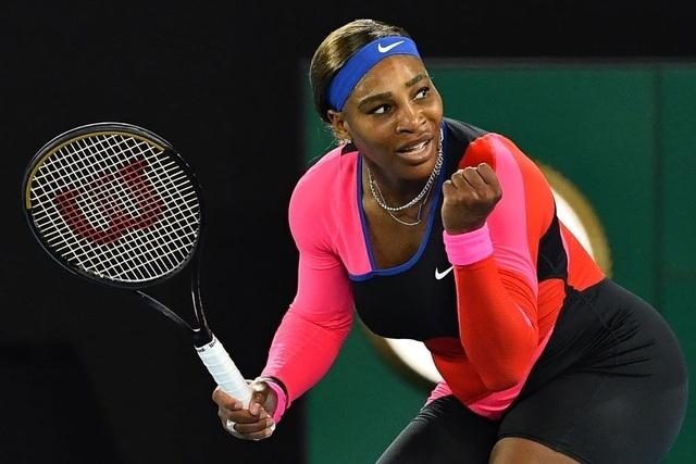 Australian Open: Serena Williams đánh bại Halep, tiến vào bán kết