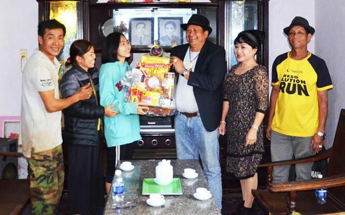 Niềm vui đến với gia đình nữ sinh xuất sắc ở Đắc Lắk