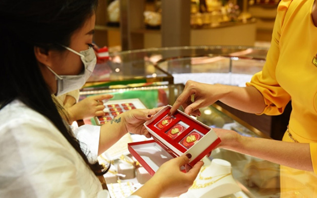 Ngày Vía Thần Tài 2021, mua vàng cầu may cần nhớ điều sau để may mắn cả năm