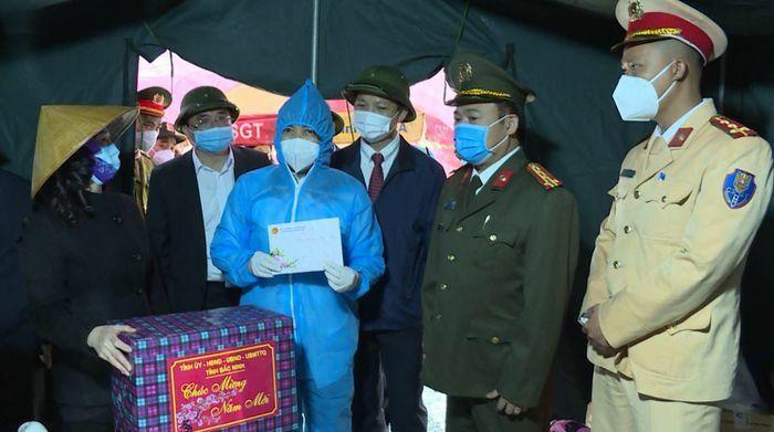 Một tuần ban hành 12 công văn chống dịch, Bắc Ninh quyết tâm ngăn Covid-19 từ cửa ngõ