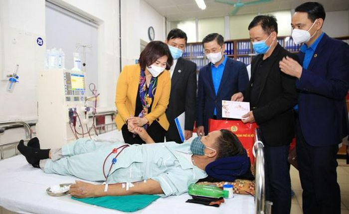 Phó Bí thư Thường trực Hà Nội làm việc với Bệnh viện Đa khoa Hà Đông