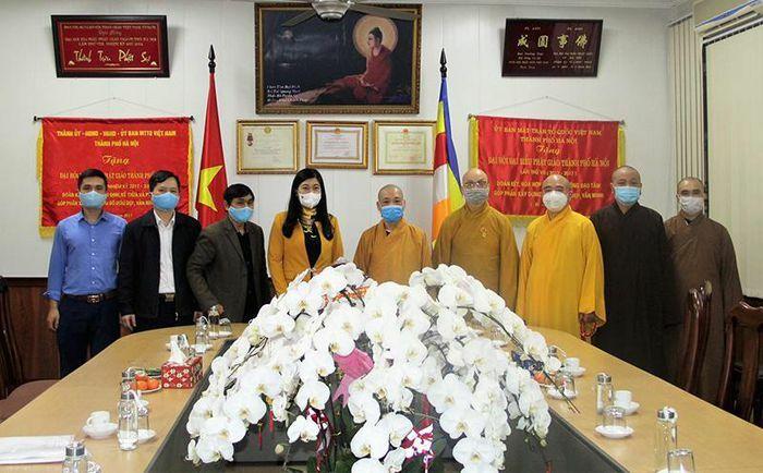 Chủ tịch Ủy ban Mặt trận Tổ quốc TP Nguyễn Lan Hương thăm, chúc Tết Giáo hội Phật giáo Việt Nam TP Hà Nội