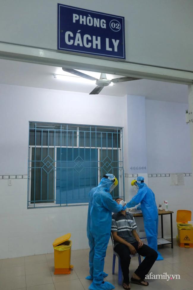 TP.HCM phong tỏa khu nhà trọ ở quân Tân Bình nơi BN 2002 sinh sống cùng vợ và con trai 9 tuổi