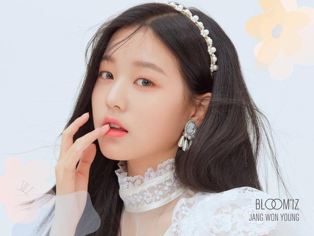 """Choáng váng khi phát hiện: Phía sau lớp makeup sương sương của idol Hàn là """"cả tấn"""" phấn son dày cộm khó tin"""