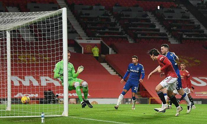 Công làm thủ phá, Man United bị Everton cầm hòa kịch tính