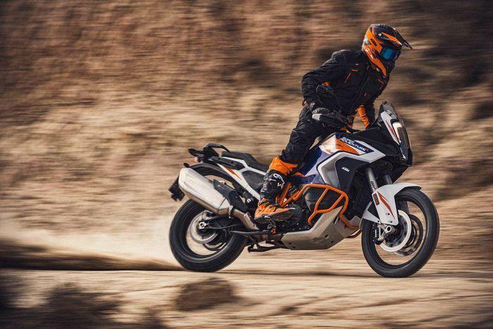 KTM 1290 Super Adventure R 2021 được ra mắt, mạnh 160 mã lực