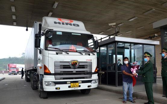 Xuất khẩu 190 tấn thanh long qua Cửa khẩu quốc tế Kim Thành