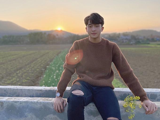 Ngoại hình 'đốn tim' fan nữ của hot boy Trần Danh Trung