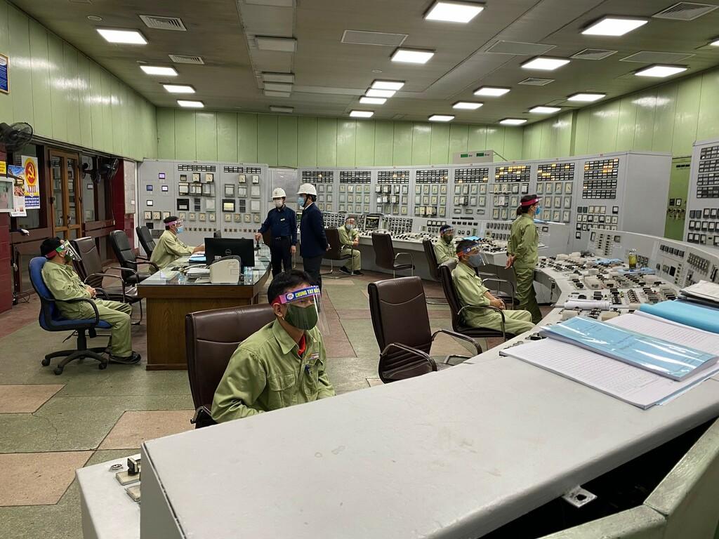 Phụ tải Tết Nguyên đán Tân Sửu giảm mạnh, hệ thống điện vận hành an toàn, ổn định