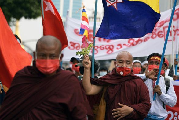 Mỹ, EU tính trừng phạt những người dính líu đảo chính ở Myanmar