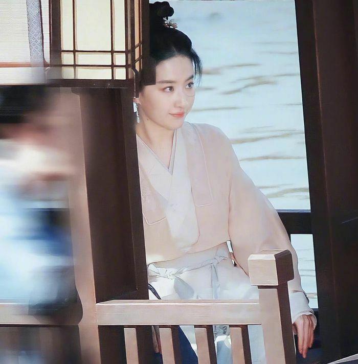 Ảnh hậu trường trong phim mới của Lưu Diệc Phi