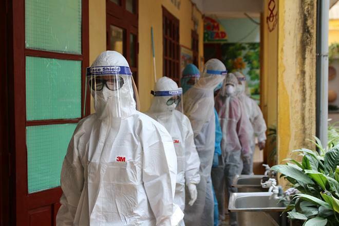 Xuất hiện ca bệnh ở khu phong tỏa, BV Bạch Mai chi viện thêm cho Hải Dương