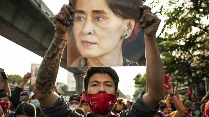 Hội đồng Bảo an yêu cầu quân đội Myanmar thả Cố vấn Suu Kyi