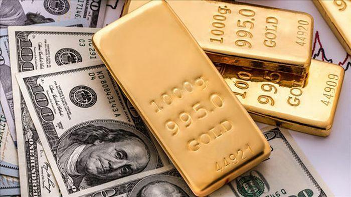Giá vàng thế giới và trong nước cùng lao dốc