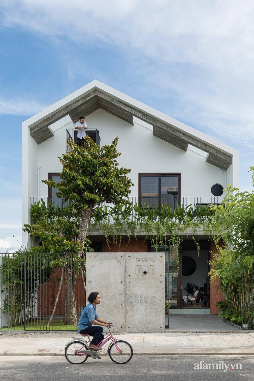 Ngôi nhà xanh đón không khí trong lành gây thương nhớ của gia đình 3 thế hệ ở Đà Nẵng