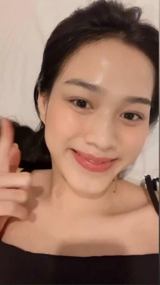 """Hoa hậu Đỗ Thị Hà cứ khoe mặt mộc là gây """"bão mạng"""": Da căng bóng, đẹp đỉnh cao!"""