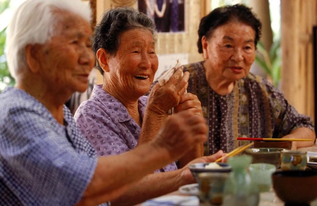 """Nhật Bản tiết lộ 6 """"quy tắc sống"""" để kéo dài tuổi thọ: Tất cả đều đơn giản nhưng không phải người dân quốc gia nào cũng làm được"""