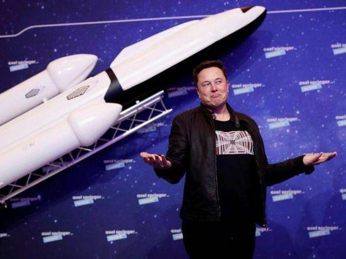 Quan điểm kỳ lạ của Elon Musk: ''Nên học trực truyến, vào đại học chỉ để chơi'' - ảnh 1
