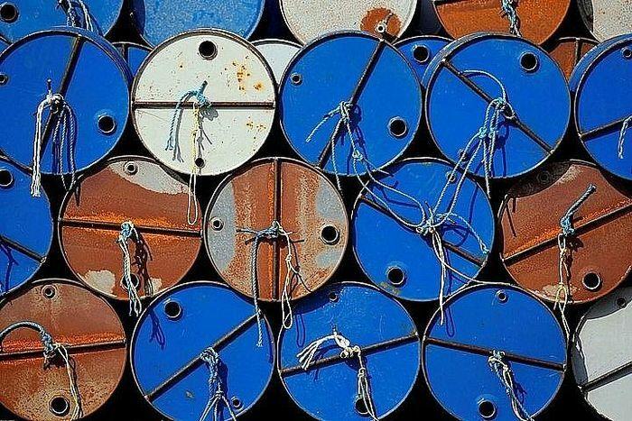Giá dầu quay đầu tăng mạnh sau dự báo lạc quan của Goldman Sachs