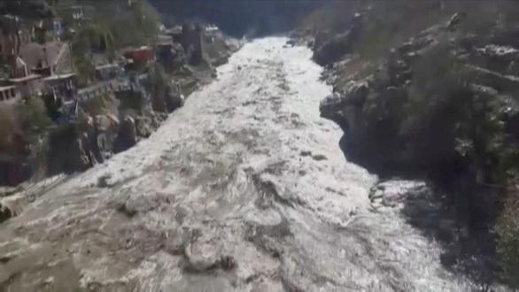 Sông băng ở Himalaya vỡ xuống đập thủy điện, khoảng 150 người nghi thiệt mạng ở Ấn Độ