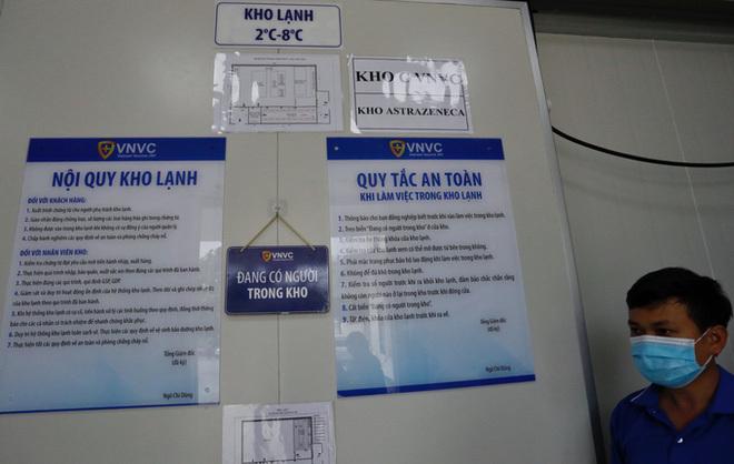 Dịch Covid-19 ngày 25/2: 117.600 liều vaccine Covid-19 mới về Việt Nam chưa thể tiêm ngay