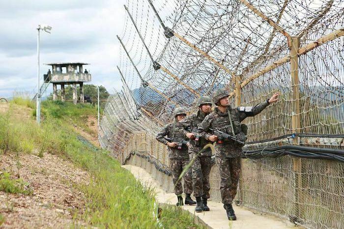 """Quân đội Hàn Quốc bối rối vì chốt kiểm soát bị """"chọc thủng"""""""
