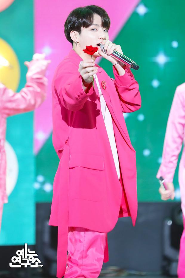 """Dàn idol tuổi Sửu này mà solo thì Kpop """"chao đảo"""": Từ em út của boygroup hàng đầu đến cỗ máy hát nhảy toàn diện đều tài sắc vẹn toàn"""