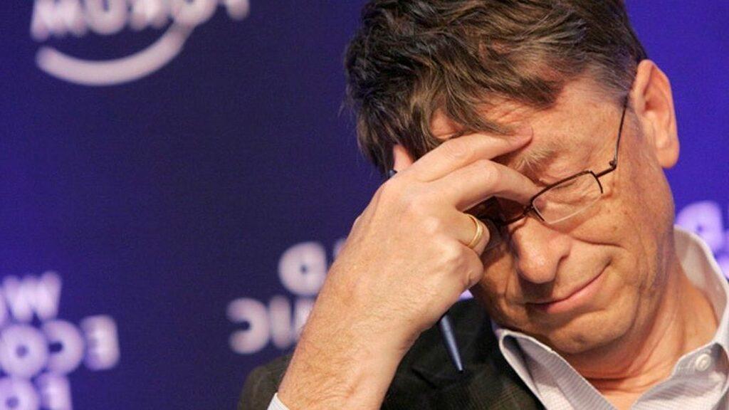 """Tỷ phú Bill Gates nói về """"sai lầm lớn nhất đời mình"""""""