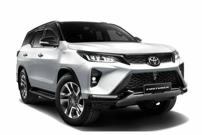 """""""Soi"""" Toyota Fortuner 2021 phiên bản đắt nhất"""