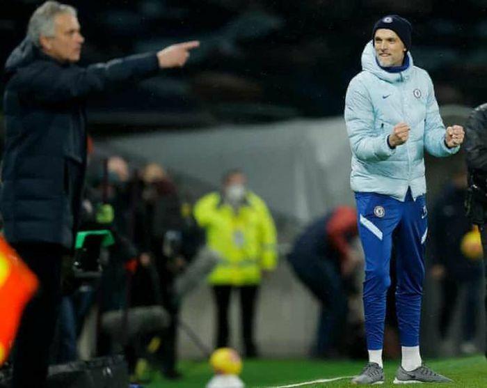 Tottenham lún sâu vào khủng khoảng, Mourinho cán cột mốc buồn