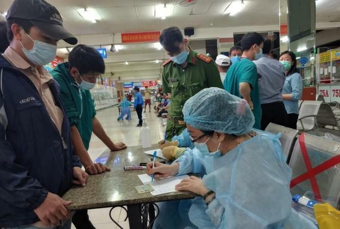 Biểu hiện lạ của chùm ca bệnh mắc COVID-19 ở Tân Sơn Nhất