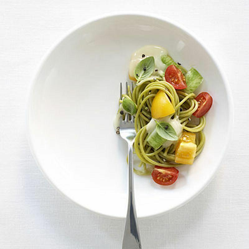 Chuyên gia dinh dưỡng hướng dẫn cách giữ sức khỏe ngày Tết