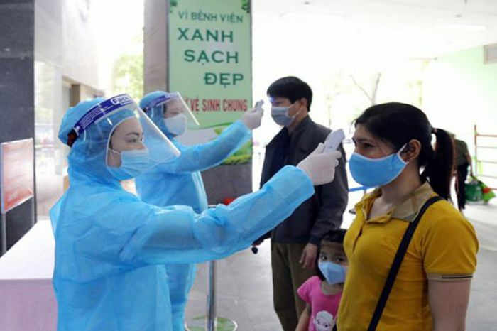 Thêm 9 ca mắc mới, Bộ Y tế yêu cầu nâng mức phòng dịch Covid-19
