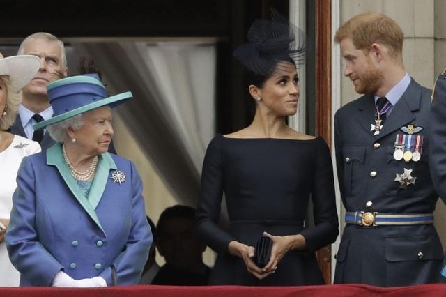 Hoàng tử Anh Harry bị tước toàn bộ tước vị danh dự