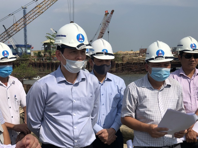 Vụ tàu container va chạm cầu Phước Khánh: Ước tính thiệt hại gần 20 tỉ đồng