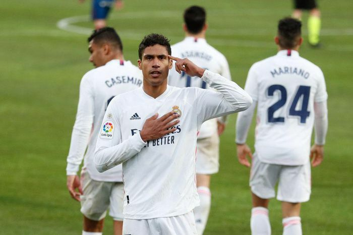 Varane lập cú đúp đưa Real lên vị trí nhì bảng tại La Liga