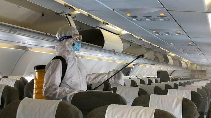 Hãng bay nâng phòng dịch COVID-19 lên cấp 3
