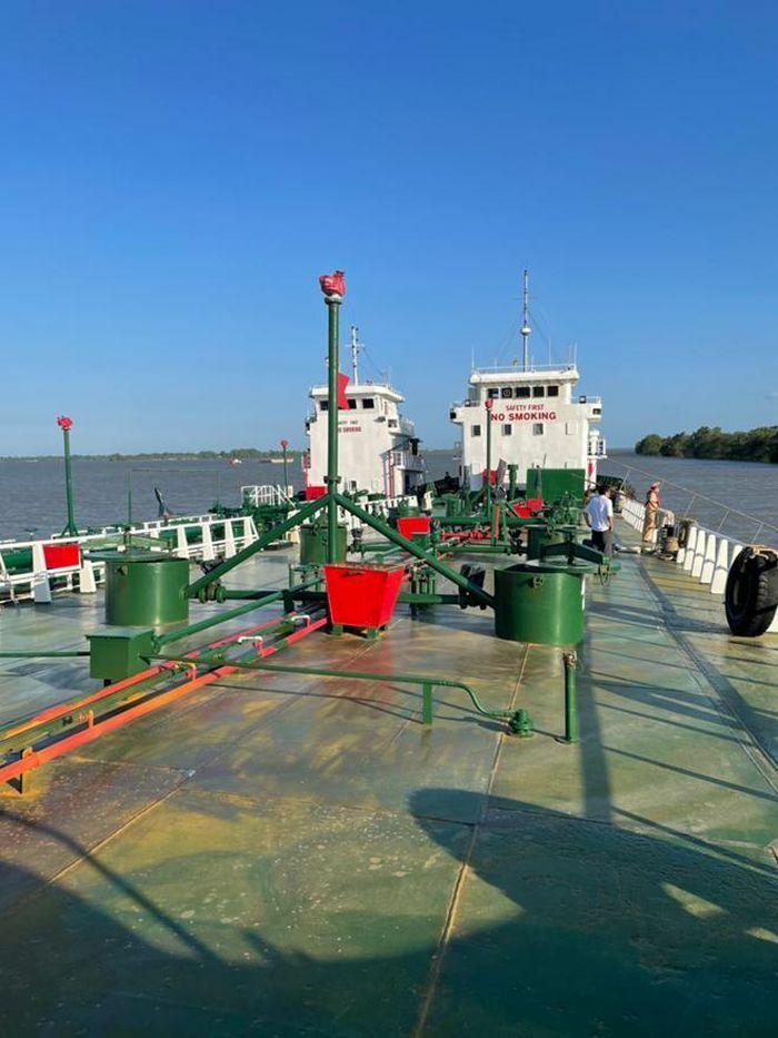 Bắt thêm 3 đối tượng, thu giữ thêm 2 tàu thủy trong đường dây buôn lậu xăng giả