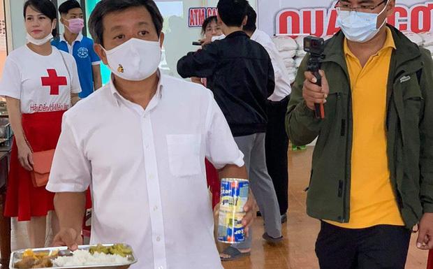 """Lộ diện đại gia chi 60 triệu đồng """"thuê"""" ông Đoàn Ngọc Hải phục vụ người nghèo 30 phút"""