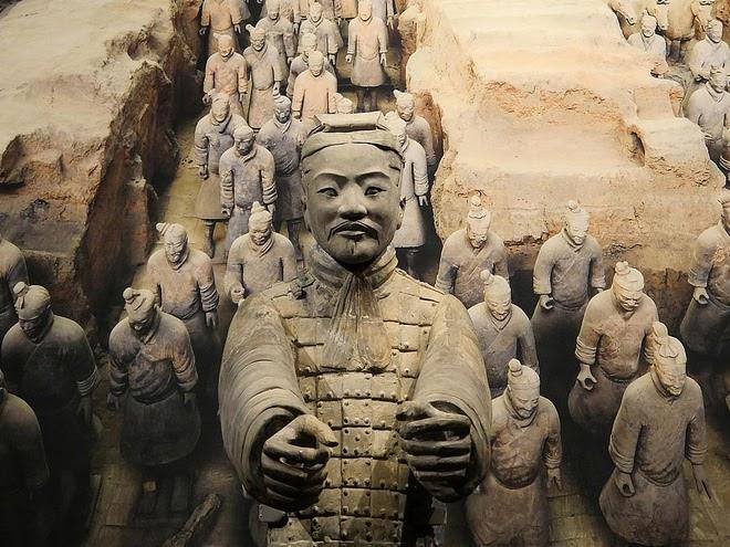 Đội quân đất nung của Tần Thủy Hoàng đã bị biến đổi khi rời khỏi lòng đất, vậy chúng vốn có vẻ ngoài như thế nào?