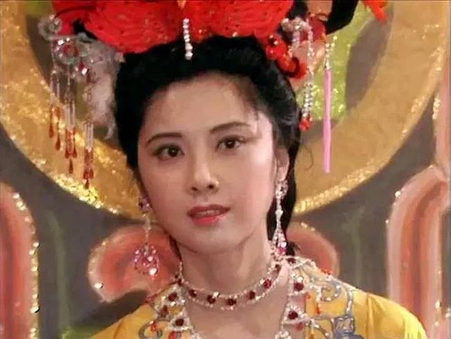Nữ vương đẹp nhất Tây du ký 1986: Từng là sinh viên của 2 đại học danh tiếng, vì vai diễn để đời mà chịu nỗi oan ảnh hưởng đến gia đình