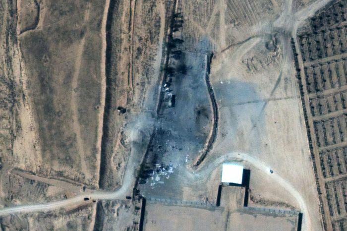 Ảnh vệ tinh hé lộ hậu quả từ đợt dội bom đầu tiên của ông Biden