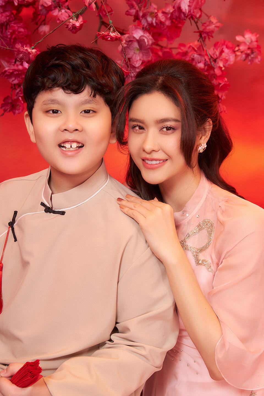 """Trương Quỳnh Anh: """"Chỉ cần con trai bên cạnh, ngày nào cũng là Tết"""""""