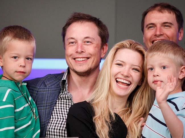 """Quan điểm giáo dục kỳ lạ của Elon Musk: """"6 đứa con nên học trực truyến, vào đại học chỉ để chơi"""""""
