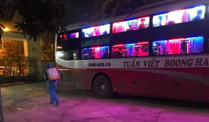 Chặn xe khách trong đêm, đưa bảy người Trung Quốc nhập cảnh trái phép đi cách ly