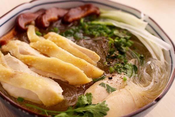 Ăn miến dong dịp Tết: Cẩn trọng với miến nhuộm hóa chất độc hại, chuyên gia tiết lộ 5 tiêu chí vàng để chọn miến sạch và ngon