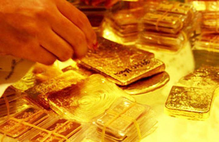 Sát ngày Thần tài, chênh lệch giá vàng mua vào- bán ra ngày càng bị kéo rộng