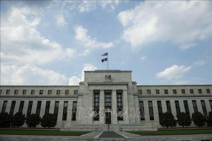 FED cam kết duy trì lãi suất thấp đến khi lạm phát vượt ngưỡng 2%