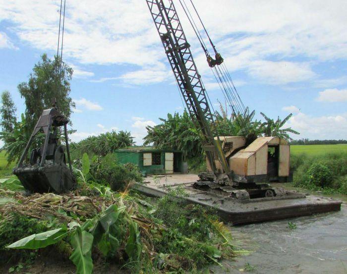 Tiết kiệm, bảo vệ nguồn nước ngọt trong mùa khô hạn